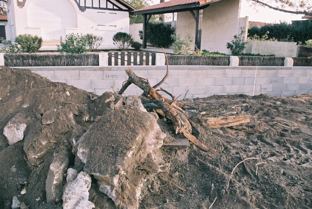 construction du muret  du Mauret 2011