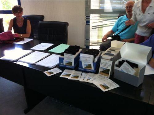 les cartes postales pétition montrées ici lors de l'enquête publique sur le PLU de la ville d'Andernos-les-bains