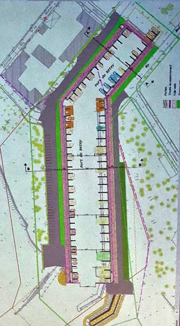 le schéma présente une extension de 10 mètres vers le sud c'est à dire sur la partie bétonnée. pas de constructions ni de modifications de la calle de mise à l'eau.